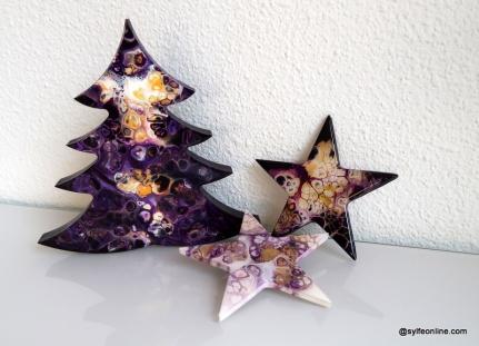 #0165 Sapin et étoiles violettes (10/2019) – @sylfeonline